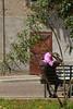Lento, faticoso far nulla (Teano) (Animusanima) Tags: light italy italia colore campania south warmth oldlady calore luce sud oleandro southernitaly teano meridione fazzoletto