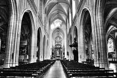 Cathedrale Antwerpen (Habub3) Tags: city travel bw white holiday black building blancoynegro church architecture search reisen nikon europa europe belgium lieve urlaub kath