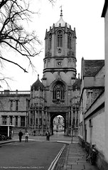 Christ Church, College, Oxford  Tom Tower B&W (gook the goblin) Tags: uk england blackandwhite bw church landscape nikon oxford christopherwren christchurchcollege tomtower nikond80 college nigelmatthews gookthegoblin