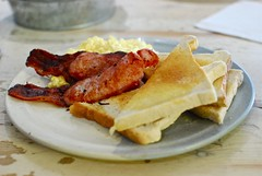 British Bacon and Eggs at Big Verne's (mahteetagong) Tags: breakfast islands bacon nikon britain great jersey eggs british channel 35mmf18 d80