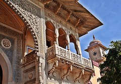 Jaipur City Palace (zorro1945) Tags: india architecture gate asia stonecarving carving indie asie jaipur rajasthan citypalace mughalarchitecture jaipurcitypalace