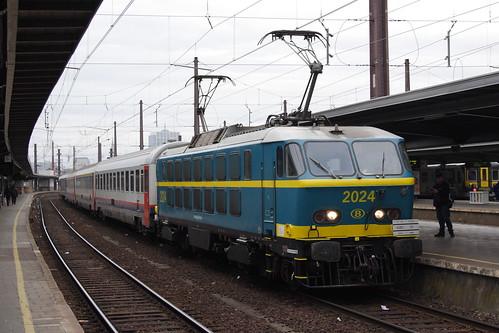 20130511 005 Bruxelles Midi. PFT TSP Adieu Aux Locomotives Série 20. 2024 E18405, 08.04 to Mouscron