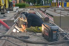 Soudeur. (Azariel01) Tags: light brussels work belgium belgique belgie lumière bruxelles tram sparks chantier welder stib 2015 avenuelouise mivb soudeur defacqz louizalaan eteincelles