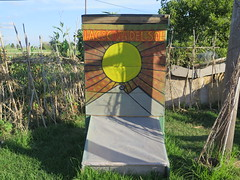 """Séchoir solaire pour fruits et légumes <a style=""""margin-left:10px; font-size:0.8em;"""" href=""""http://www.flickr.com/photos/83080376@N03/17980608516/"""" target=""""_blank"""">@flickr</a>"""