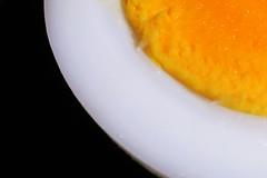 Egg's edges (Alfredo Liverani) Tags: macro mondays macromondays edge canong5x canon g5x egg eggs food cibo lebensmittel aliments albume tuorlo eggyolk yolk eggwhite white yellow giallo ei eiweis eigelb blancduf jaunedoeuf oeuf uovo abstract minimalism curve diagonal indoor