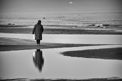 ...lonely walk (Lucky Lu62) Tags: mare marinaromea woman solitude loneliness donna anziana water sea winter reflection bw