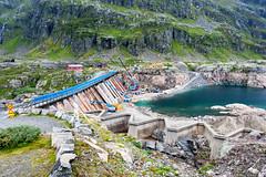 Men at work (SLpixeLS) Tags: norway norvge nationaltouristroute13 routetourisitique13 mountain montagne pass col route502 lake lac weir barrage