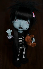 Loving my humpty ! (Mientsje) Tags: bjd abjd ball jointed doll dolfie resins toy dolls gothic balljointeddoll humpty dumpty nefer kane circus circuskane green yosd cute sweet egg