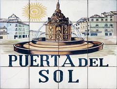 Puerta del Sol (Rafa Gallegos) Tags: madrid espaa spain callesdemadrid madridstreets azulejos tiles puertadelsol