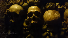 Darkness in Paris (Foto-Aestheticus) Tags: paris underground catacombes darkness skulls bones gravyard creepy surreal unreal france dead death cellphone