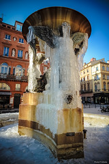 Ice trinity (Philippe Gillotte) Tags: ice gel place toulouse trinit trinity water fountain fontaine