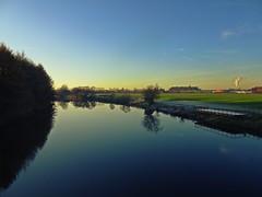 After The Fog (Bricheno) Tags: dalmarnock bricheno river glasgow clyde reflections riverclyde scotland szkocja scozia scoia schottland cosse escocia esccia    bridge railway trees path