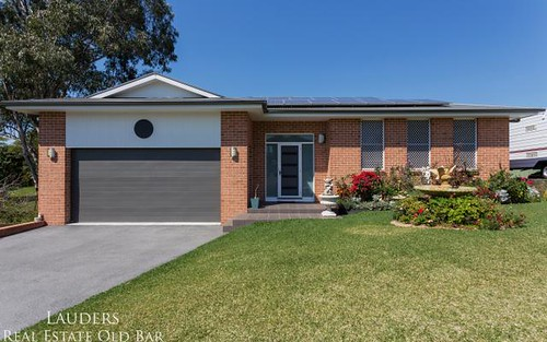 6 Railton Ave, Taree NSW 2430