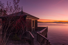 Parker Point Cottage at Dawn (Cindy Farr-Weinfeld) Tags: parkerpointroad bluehill maine dawn sunrise early light sky water sea ocean coast coastal waterfront landscape scenic scenery cottage house