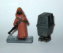 jawa with gonk droid star wars power of the force 2 starburst card basic action figures 1999 hasbro b (tjparkside) Tags: potf2 1999 star wars power force 2 two starburst card cardback jawa gonk droid droids jawas comm chip display stand basic action figure figures hasbro sw anh new hope ep episode 4 iv four commtech ionization gun tatooine scavenger desert energy traders mechanic mechanics foot holes variant version eg6 e g6