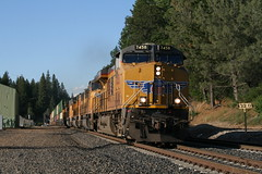 Union Pacific #7458 (GE ES44AC) in Colfax, CA (CaliforniaRailfan101 Photography) Tags: up amtrak unionpacific priority ge freight bnsf reefer manifest emd californiazephyr burlingtonnorthernsantafe dash9 dpu es44dc gevo sd70m amtk c449w stacktrain sd70ace es44ac colfaxca c45accte p42dc trackagerights es44c4 tietrain sd59mx unitreefer zdlsk