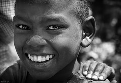 SENZA PASSATO / NO PAST (Claudia Ioan) Tags: africa portrait smile blackwhite nikon child laughter sorriso ethiopia ritratto biancoenero bambino etiopia risata omoriver mygearandme claudiaioan