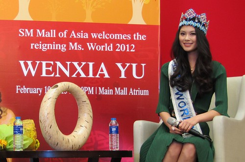2013 0210 Mall of Asia (65)-V2.0 - Miss World 2012