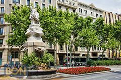 Font de Diana, Barcelona (Tony Gálvez) Tags: barcelona de bcn diana font barrios ensanche passaportebcn