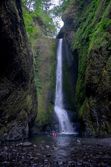 Oneonta Gorge Falls (Dreshad Williams) Tags: water oregon landscape fun outside waterfall journey gorge oneonta
