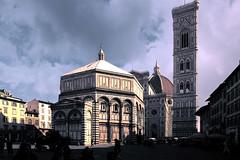 Battistero - Duomo - Campanile di Giotto (bellinipaolo31) Tags: fc03911 sangiovannibattista duomo battistero campanile giotto brunellesci firenze chiese monumenti italia paolobellini