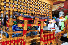 Colorful Portable Shrine at Kanda Myojin - Kanda Festival 2015 (Apricot Cafe) Tags: holiday japan weekend performance parade matsuri chiyodaku mikoshi traditionalfestival tokyo tkyto canonef1635mmf28liiusm portableshrine img613176 ochanomizu kandamyojin kandamatsurifestival