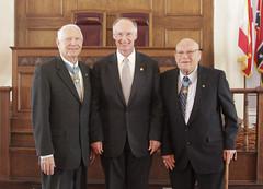 05-12-15 Medal of Honor Winners greet Governor Bentley