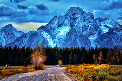 DRIVING INTO A DREAM (Aspenbreeze) Tags: wyoming tetons antelopeflats tetonnationalpark tetonmountains mountains countryroad dirtroad autumn peaks mountainpeaks snowypeaks rural nature outdoors family aspenbreeze moonandbackphotography bevzuerlein