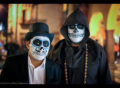 Day of the Dead 2016 - San Miguel de Allende, Mexico (Sam Antonio Photography) Tags: samantoniophotography male skull mexican halloween mexico decoration death white horror scaryl makeup portrait day dead mask calavera celebration black creepy zombie catrina festival holiday muertos carnivalcostume fantasy magicfolklore diadelosmuertos tophat sugarskull scaryportrait dayofthedead fashion costume people november fiesta travel