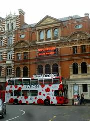 P1390233 Royal Court Theatre, Sloane Sq, London SW1 (londonconstant) Tags: londonconstant costilondra london architecture chelsea westminster promenades streetscapes