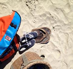 shoes on the sand (SerenityRose) Tags: ocean beach oregoncoast messengerbag oswaldwest chromebag shortsands
