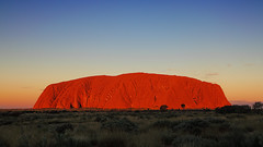 Last light at Uluru (Fear_Through_The_Eyes) Tags: sunset red rock landscape dusk australia lookout outback uluru northernterritory ayersrock