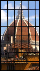 Looking out the window (sipazigaltumu) Tags: italien italy window glass florence italia looking dome through duomo palazzo florenz vecchio