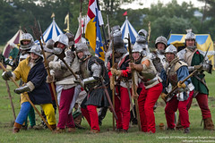 Pike Schiltrom (Proper Job Productions) Tags: berkeley war battle conflict armour polearm recreationist berkeleyskirmish shiltron nibleygreen schiltrom sheltron sceldtrome