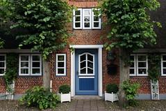 Blue door (individual8) Tags: door windows facade germany august foehr 2013 nieblum