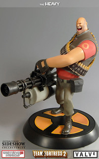 """Team Fortress 2 """"The Heavy"""" & """"The Soldier"""" 雕像"""