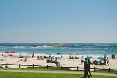 Beach at Camps Bay (wenzday01) Tags: ocean city travel urban beach southafrica nikon cityscape capetown atlantic nikkor atlanticocean campsbay westerncape capepeninsula d7000 nikond7000 vscofilm 18105mmf3556gedafsvrdx