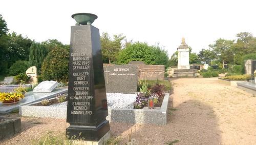 Bei den Kämpfen um Hahnheim März 1945 gefallen