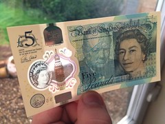 5 (stevenbrandist) Tags: thequeen winstonchurchill bread wings dosh watermark plastic money 5 5