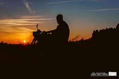 #postadesol #sol #elsolsenva #moto #motor #fotografia #fotografiant #lidiavidalphotographer #mediterraniament #costabrava #catalunya #catalunyaexpirience #photo #photographer #potography #canon #canoneos #canoneos50d #work #edit #lightroom #apple #mac #ed (Lidia Vidal Pallares) Tags: instagramapp square squareformat iphoneography uploaded:by=instagram skyline