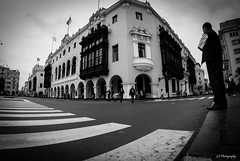 Waiting for someone (.KiLTRo.) Tags: lima departamentodelima peru kiltro architecture city street