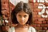Pushkar, India (Aicbon) Tags: amarilla pushkar india rajasthan rajastan monsoon summer august vacaciones niña nena children kid girl people person perosna gente human humano mirada ojos hindu asia baribasti पुष्कर राजस्थान راجستان