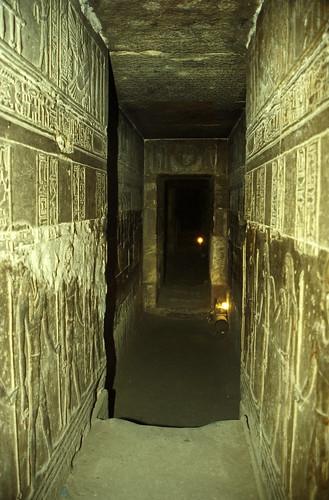 Ägypten 1999 (505) Krypta im Tempel von Dendera