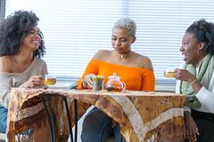 IMG_6130 (sabrinafvholder) Tags: women black african american natural hair ors commercial tea drinking girlfriends