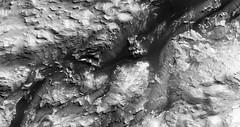 ESP_025117_1725 (UAHiRISE) Tags: mars nasa jpl mro universityofarizona uofa ua landscape geology science