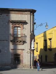Corner of Plaza Principal, morning, San Miguel de Allende, Mexico (Paul McClure DC) Tags: sanmigueldeallende mexico bajo guanajuato nov2016 historic architecture