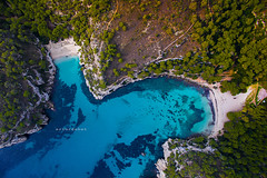 "Macarella. (¡arturii!) Tags: wow amazing awesome superb interesting stunning impressive nice beauty great arturii arturdebattk ""canonoes6d"" gettyimages travel trip tour route viatge holidays vacations drone dron drones macarella macarelleta menorca beach paradise cool visual nature vegetation landscape aerial dji phatom3 colors blue green mediterranean magical shape playa platja sand"