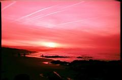 (Tambourine3) Tags: 35mm iso100 xpro crossprocessed fuji alt playa olympus velvia olympustrip35 cantabria trip35 liencres