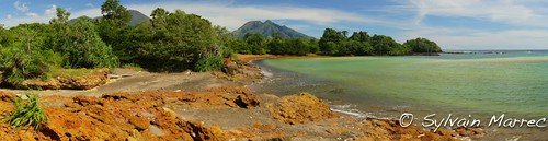 Pantai Pasir 3 Warna- Pantar Island