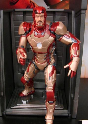 Marvel Select - 鋼鐵人3 - 馬克42 vs. 戰爭機器2 重裝登場